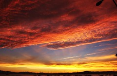 eu estava l... (Ruby Ferreira ) Tags: sunset sky boats prdosol notreatment santoantoniodelisboa nuvensclouds brasilemimagens