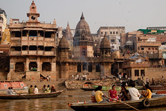 INDIA (324 von 65) (frederik_rowing) Tags: street old city trip morning travel india color colour water up river lens temple four gold golden boat early ancient asia colours glory awesome religion great documentary olympus center holy journey hour micro passion sacred varanasi rowing gods hours tradition bliss hindu hinduism omd oly ganges thirds 6am pradesh ghats ep1 ep2 ep3 benares ghat uttar m43 mft 1442 interchangeable ep5 mirrorless mzuiko