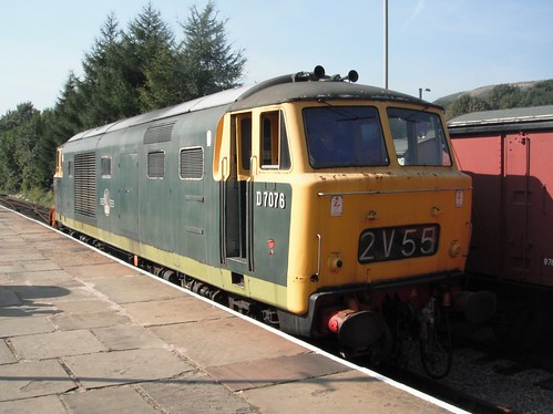 D7076 at Rawtenstall 28/09/13