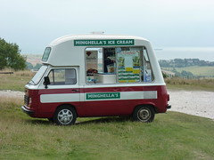 240813 15 Minghella's Ice Cream Van (♫ Claire ♫) Tags: ice cream icecream isleofwight van isle wight icecreamvan iow minghella minghellas minghellasicecream