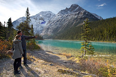 Young Couple, Jasper National Park (Daryl L. Hunter - Hole Picture Photo Safaris) Tags: ca autumn canada nature tourists lovers alberta wilderness youngcouple jaspernationalpark mtedithcavell pristine canadianrockies sightseers cavelllake