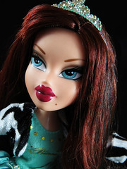 Royal AND Rebel (CheeChee FIickr) Tags: fashion rebel for high twins doll princess royal dana 2006 queen phoebe your jade passion after sasha yasmin ever twinz royalty bratz cloe fianna unleash nevra meygan roxxi twiins twiinz
