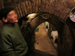 Catando Vino en las Cuevas del Carnero (Vinocora) Tags: vino catar comprarvino lascuevasdelcarnero