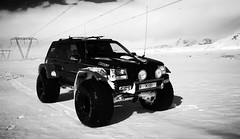 Jepp Grand Cherokee KISI (Brynja Eldon) Tags: snow canon eos iceland inch jeep dick country grand adventure 5d cherokee pskar v8 44 sland feralag 52 snjr 2014 kisi jeppafer hlendi jeppi lnuvegur tommur cepeck drullutjakkur