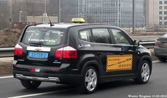 Chevrolet Orlando (2012) (XBXG) Tags: auto usa holland chevrolet netherlands car amsterdam us orlando automobile diesel taxi nederland voiture ring american suv paysbas 2012 a10 américaine sidecode7 25tsb2