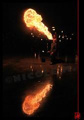 En double dans l'eau de la Fontaine de Tokyo (mamnic47 - Over 5 millions views.Thks!) Tags: paris bcc palaisdetokyo flammes ptrole burncrewconcept img3751 cracheursdefeu paris16me 11emeanniversaire