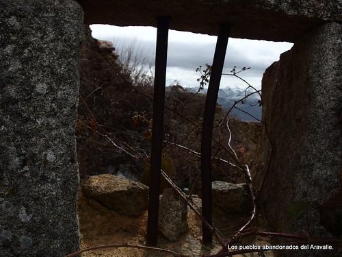 MARCHA-371-los-pueblos-abandonados-valle-de-aravalle-avila-senderismo (15)