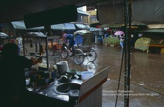 Surat Thani, Thai Food in the rain (blauepics) Tags: city food rain thailand essen asia sdostasien delicious thai stadt 1991 southeast thani regen lecker surat suratthani
