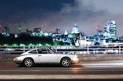 Iconic shape ft. an iconic skyline (Aimery Dutheil photography) Tags: london classic speed canon silver amazing classiccar 911 thecity fast exotic german porsche sportscar porsche911 waterloobridge flatsix londoncars 70d 911e porsche911e londonsupercars