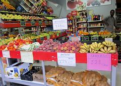 248/365 (Susana RC) Tags: frutas alimento tienda 365 vegetal negocio frutería puesto