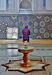 En el Nombre de Allah (Luis Bermejo Espin) Tags: africa travel islam arabia marruecos salat profeta mahoma devocin muslins arabes corn musulmanes islamismo mezquitas devotos religionesdelmundo luisbermejoespn mundoislmico cincopilaresdelislam