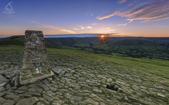 MAM-TOR-TRIG (Karl.Chester) Tags: light sunset england sun green english canon point photography countryside district live peak scout adventure lee edge tor filters mam starburst edale trig 6d sunstar rushup kindder