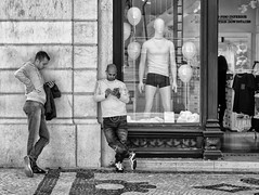 'Best Friends' (Canadapt) Tags: street building men mannequin portugal mobile balloons lisbon cellphone sidewalk storefront juxtaposition distraction socialrelationships canadapt