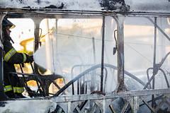 Incendio em onibus Marginal Tiete 12jul2016-126.jpg (plopesfoto) Tags: carros nibus fogo fumaa polcia incndio cet chamas bombeiros marginaltiet passageiros trnsito cobom
