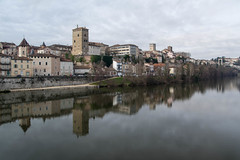 Cahors (Gregouill) Tags: 2016 201601 cahors janvier reflet rivire tour