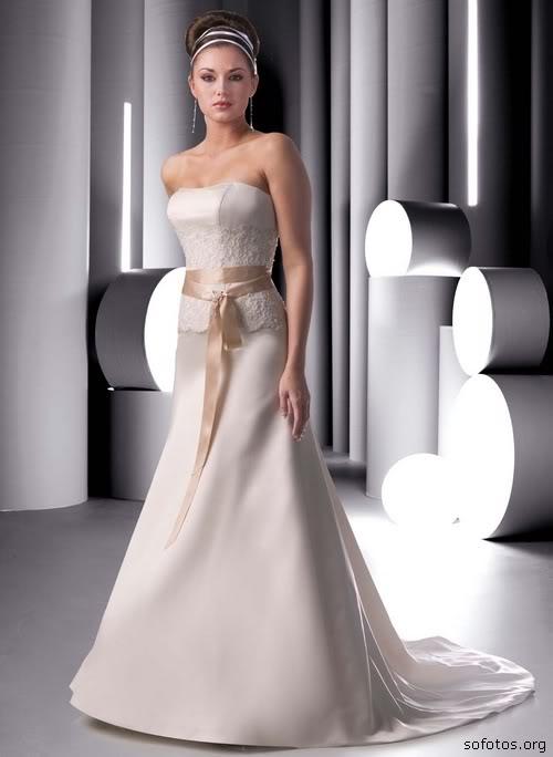 Vestido de noiva simples e bonito