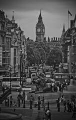 Trafalgar Square (Don Pableras) Tags: plaza london square nikon d70 lion trafalgar trafalgarsquare bigben leon londres