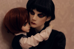 IMG_0560 (Zoltan16) Tags: family saint hug doll sd bjd resin luts tenderness msd bory dollshe