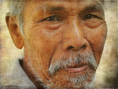 Old Thai Man (ulli_p) Tags: people art texture colors portraits canon thailand 50mm asia colours best textured isan artisticexpression aworkofart flickraward texturedphoto ruralthailand earthasia thebestshot awardtree totallythailand artofimages mygearandme artwithinportraits canoneoskissx5