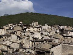 (frangood_83) Tags: life sky italy mountain architecture landscape nikon italia cielo paesaggi montagna architettura paesaggio abruzzo borghi scanno bellabruzzo