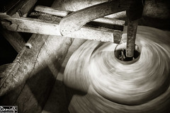Moliendo el grano - Grinding the grain (danielfi) Tags: bw mill asturias os bn molino tradition grind tradición asturies taramundi moler teixois