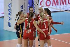 GO4G0926_R.Varadi_R.Varadi (Robi33) Tags: game sport ball switzerland championship team women action basel tournament match network volleyball volley referees