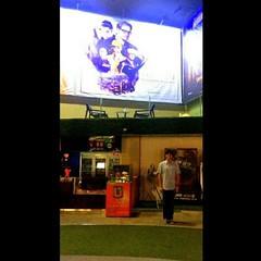 #KingsMan รอบพิเศษ (A) ไม่คิดว่าโคลินจะบู๊ได้ถึงใจขนาดเน้ หนังสายลับดูเพลิน มีภาคต่อชัวร์ Enjoyable #UKfilm ! #Uhollywood 11.02.15