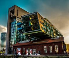 Wolkenbgel (Norbert Clausen) Tags: building skyline gehry architektur fernsehturm hafen dsseldorf rhine rhein gebude medienhafen architekture gebudestruktur