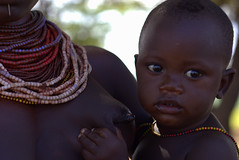 Ethiopian child (Rood zand) Tags: africa baby breast child african mother mama breastfeeding ethiopia ethnic ethiopian