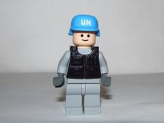 MOC LEGO UN Peacekeeper in grey (Pest15) Tags: lego minifigure internationaldayofunitednationspeacekeepers legomoc brickforge unpeacekeeper