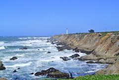 Point Arena Lighthouse (ivlys) Tags: ocean california sea usa lighthouse nature landscape coast meer pacific landschaft leuchtturm pointarena kste highway1north ivlys