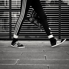 141/366 - Schuhe / Shoes (Boris Thaser) Tags: street city people blackandwhite bw woman project germany walking bayern deutschland bavaria clothing shoes flickr pattern adult candid linie streetphotography pedestrian scene 11 menschen line clothes explore stadt creativecommons photoaday sw 365 frau adidas unposed schuhe muster projekt augsburg tog gehen pictureaday passant kleidung strolling szene spazieren 366 ungestellt bekleidung schwarzweis project365 strase flanieren schlendern project366 erwachsener fusgnger strasenfotografie streettog sonyrx100ii sonydscrx100ii zweisichtde zweisichtig