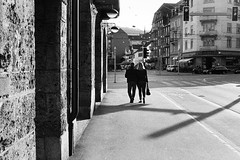 evening couple (gato-gato-gato) Tags: street leica white black classic film analog 35mm person schweiz switzerland flickr suisse strasse zurich streetphotography pedestrian rangefinder human streetphoto manual zrich svizzera zuerich ilford m6 analogphotography ch wetzlar onthestreets passant mensch sviss leicam6 zwitserland isvire zurigo filmphotography streetphotographer homedeveloped fussgnger zueri strase filmisnotdead streetpic messsucher gatogatogato fusgnger leicasummiluxm35mmf14 gatogatogatoch wwwgatogatogatoch streettogs believeinfilm tobiasgaulkech