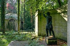Friedhof in Gera-Untermhaus (berndtolksdorf1) Tags: friedhof cemetery deutschland thringen outdoor skulptur sonnig gera stille