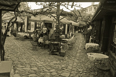 Yemeniciler Arastas - Safranbolu (oskaybatur) Tags: street travel turkey spring pentax sunday trkiye trkei april ottoman bazaar sephia artisan nisan safranbolu pazar ilkbahar ar 2013 karabk sigma1770 arasta zanaatkr justpentax pentaxart yemeniciler pentaxkr sigma1770f284dcmacrooshsm