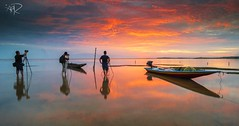 The Jubakar (Ahmad Fahmi (markthedg)) Tags: red people reflection sunrise landscape boat nikon glow seascapes watching lee fullframe fx filters hoya kelantan nd8 d700 jubakar