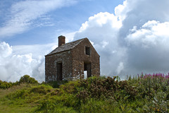 Lonely House (Rob Briant) Tags: coastguard coast lookout dorset knoll jurassic the puncknowle