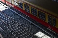 Gleise (deta k) Tags: reflection berlin germany deutschland sbahn ostkreuz spiegelungen sbahnhof nikond5100