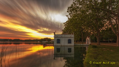 480 seg. (Ernest Bech) Tags: longexposure sky lake water sunrise canon landscape lights cel panoramic highlights girona filter catalunya moviment reflexos aigua llac llums nuvols filtre banyoles panormica pesquera sortidadesol couls 60d pladelestany silkeffect sigma1020mm1456 llargaexposici bwnd301000x efectaseda