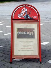 Pentecostal church advertised its choir with coca cola stand :P (Lalallallala) Tags: suomi finland advertising cocacola pentecostalchurch savo savolax kiuruvesi easternfinland pohjoissavo helluntaiseurakunta hellarit