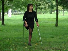 amp-0416 (vsmrn) Tags: woman crutches nylon amputee onelegged