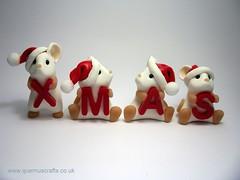 XMAS Mice (Quernus Crafts) Tags: christmas xmas cute mice polymerclay santahat whitemice quernuscrafts
