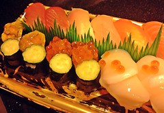 印象派畫家最美麗的傑作 (Danburg Murmur) Tags: fish sushi rice cucumber salmon taiwan taipei uni 台灣 scallop tuna 台北 ikura すし nori 寿司 うに いくら イクラ 壽司 鮨 握り寿司 ウニ 雲丹 nigirizushi さけ サケ 寿し 鮓 寿斗