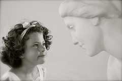 IMG_6382 (Pedro Montesinos Nieto) Tags: blancoynegro blackwhite niños estatuas imagine estatua cataluña ageofinnocence santsalvador laedaddelainocencia frágiles museopaucasals playadesantsalvador playasdeelvendrell playasdetarragona playasdecomaruga