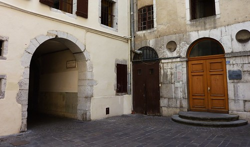 Chambery, allée rue croix d'or