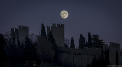 Luna (GregaKapun) Tags: moon evening luna slovenia walls piran slovenija primorska veer canonef70200f4lisusm canoneos60d obzidje slovenianlittoral