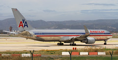American Airlines 767-300(ER) N381AN (birrlad) Tags: barcelona airplane airport spain taxi aircraft aviation airplanes bcn american airline boeing airways airlines departure takeoff runway airliner 767 departing winglets taxiway 767300er 767323er 25r n381an