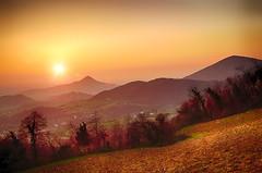 Tramonto sui Colli Euganei (tampurio) Tags: sunset sky italy panorama sun sunlight tree colors clouds sunrise landscape soft italia tramonto nuvole sony hill hills cielo ita tramonti sole paesaggi paesaggio colline padova veneto collieuganei colli slta58