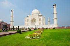 TAJ MAHAL, AGRA (| Haroon |) Tags: india white beauty architecture treasure tajmahal agra odc vision:outdoor=099 vision:sky=0699