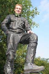 IMG_5119 (sbretzke) Tags: eifel biker richter 20050816 lederkombi